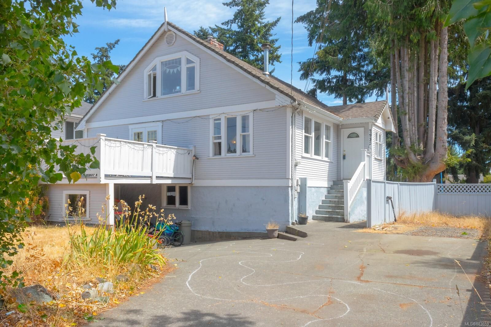 Main Photo: 2935 Merle Dr in : Co Colwood Lake House for sale (Colwood)  : MLS®# 883659