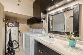 """Photo 17: 915 BRITTON Drive in Port Moody: North Shore Pt Moody Townhouse for sale in """"WOODSIDE VILLAGE"""" : MLS®# R2554809"""