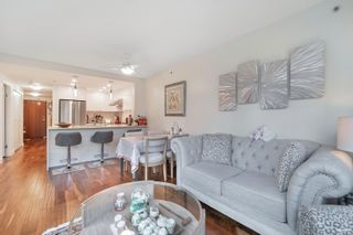 Photo 3: 202 555 JERVIS Street in Vancouver: Coal Harbour Condo for sale (Vancouver West)  : MLS®# R2625355