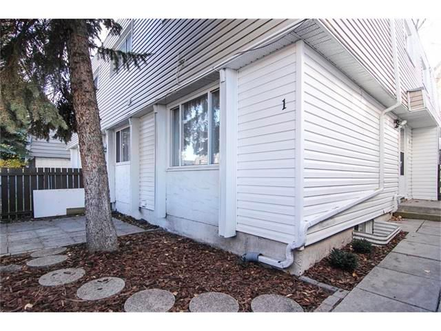 Main Photo: 1 6424 4 Street NE in Calgary: Thorncliffe House for sale : MLS®# C4035130