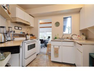 """Photo 5: 1335 - 1337 WALNUT Street in Vancouver: Kitsilano House for sale in """"Kits Point"""" (Vancouver West)  : MLS®# V1103862"""