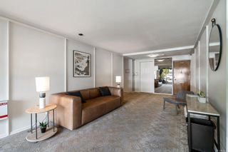 Photo 4: 203 909 Pendergast St in : Vi Fairfield West Condo for sale (Victoria)  : MLS®# 857064