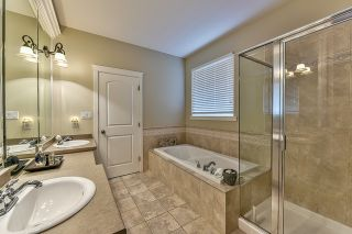 Photo 14: 18568 66A AVENUE in Cloverdale: Home for sale : MLS®# R2034217