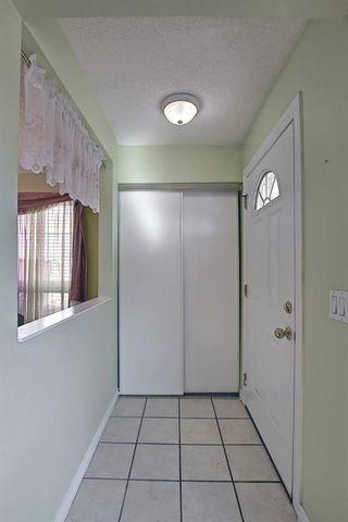 Photo 5: 80 Aberfoyle Close NE in Calgary: Abbeydale Detached for sale : MLS®# A1137613