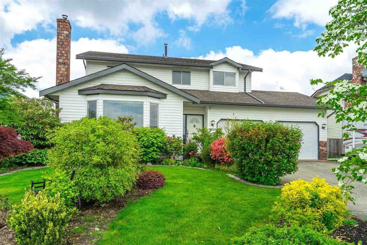 """Main Photo: 32082 ASHCROFT Drive in Abbotsford: Abbotsford West House for sale in """"Fairfield Estates"""" : MLS®# R2576295"""
