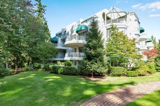 """Photo 39: 103 1745 MARTIN Drive in White Rock: Sunnyside Park Surrey Condo for sale in """"SOUTH WYND"""" (South Surrey White Rock)  : MLS®# R2617912"""