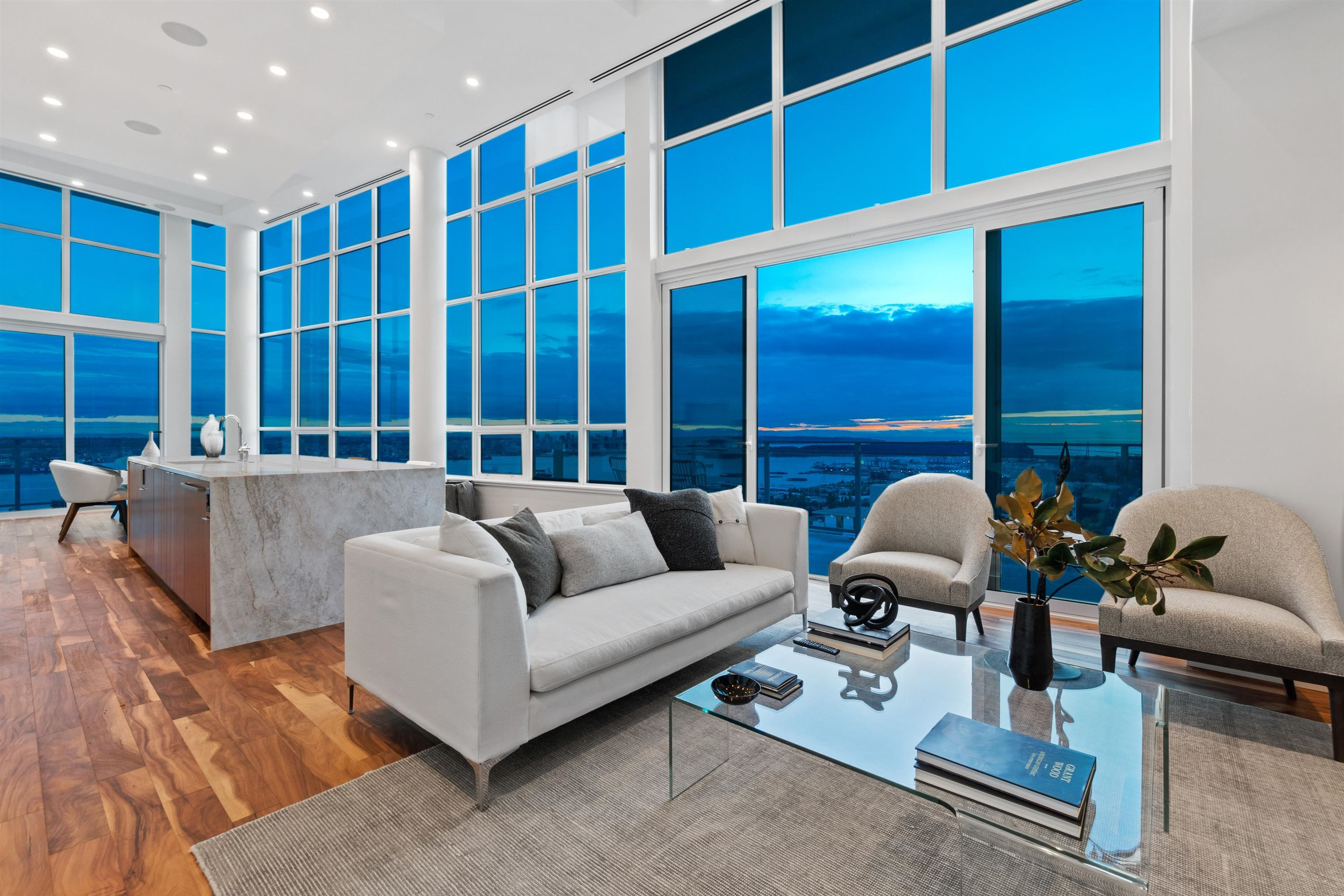 """Main Photo: 2402 125 E 14TH Street in North Vancouver: Central Lonsdale Condo for sale in """"Centreview"""" : MLS®# R2617870"""