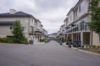 Photo 4: 30 13670 62 Avenue in Surrey: Sullivan Station Townhouse for sale : MLS®# R2611039
