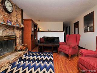 Photo 3: 3941 Leeds Crt in VICTORIA: SE Quadra House for sale (Saanich East)  : MLS®# 681188