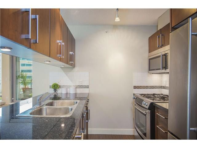 """Photo 5: Photos: 702 587 W 7TH Avenue in Vancouver: Fairview VW Condo for sale in """"AFFINITI"""" (Vancouver West)  : MLS®# V1118328"""