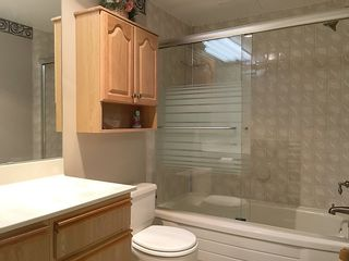 """Photo 17: 905 615 BELMONT Street in New Westminster: Uptown NW Condo for sale in """"BELMONT TOWERS"""" : MLS®# R2200623"""