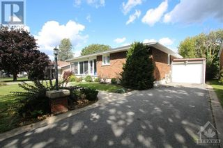 Photo 2: 114 SMITHFIELD CRESCENT in Kingston: House for sale : MLS®# 1263977