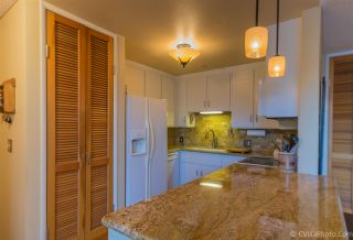 Photo 5: MISSION HILLS Condo for sale : 2 bedrooms : 4082 Albatross #6 in San Diego