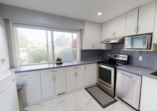 Photo 2: 402 9611 GLENDOWER Drive in Richmond: Saunders Townhouse for sale : MLS®# R2595081