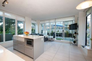 """Photo 3: 604 1252 HORNBY Street in Vancouver: Downtown VW Condo for sale in """"PURE"""" (Vancouver West)  : MLS®# R2552588"""