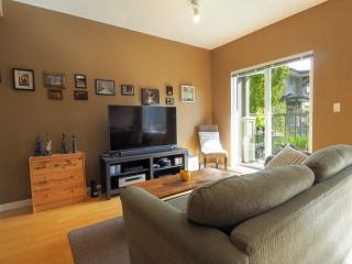 """Photo 2: 44 40632 GOVERNMENT Road in Squamish: Brackendale Townhouse for sale in """"Riverswalk"""" : MLS®# R2488805"""