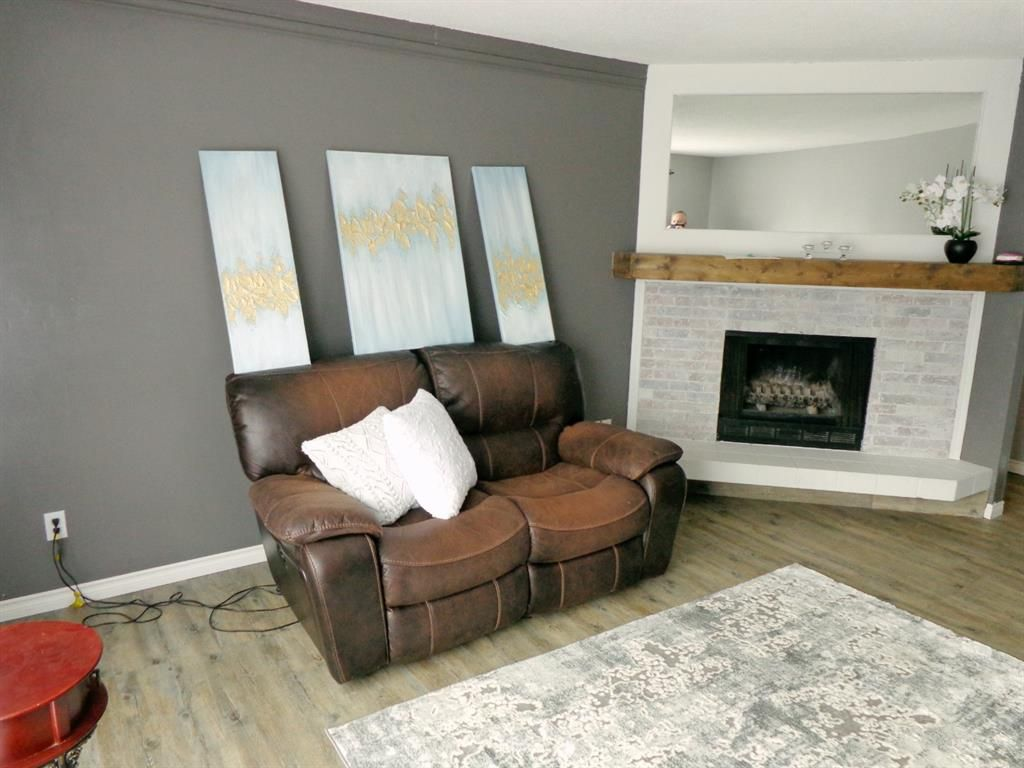 Photo 8: Photos: 301 5812 61 Street: Red Deer Apartment for sale : MLS®# A1063837