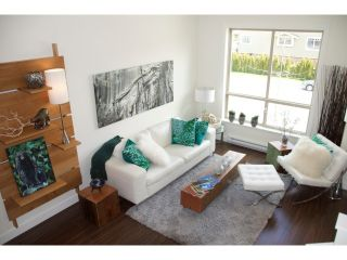 """Photo 7: 16 40653 TANTALUS Road in Squamish: Tantalus Townhouse for sale in """"TANTALUS CROSSING TOWNHOMES"""" : MLS®# V985776"""