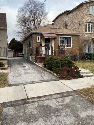 Photo 1: 40 Torrens Avenue in Toronto: Broadview North House (Bungalow) for lease (Toronto E03)  : MLS®# E4691965