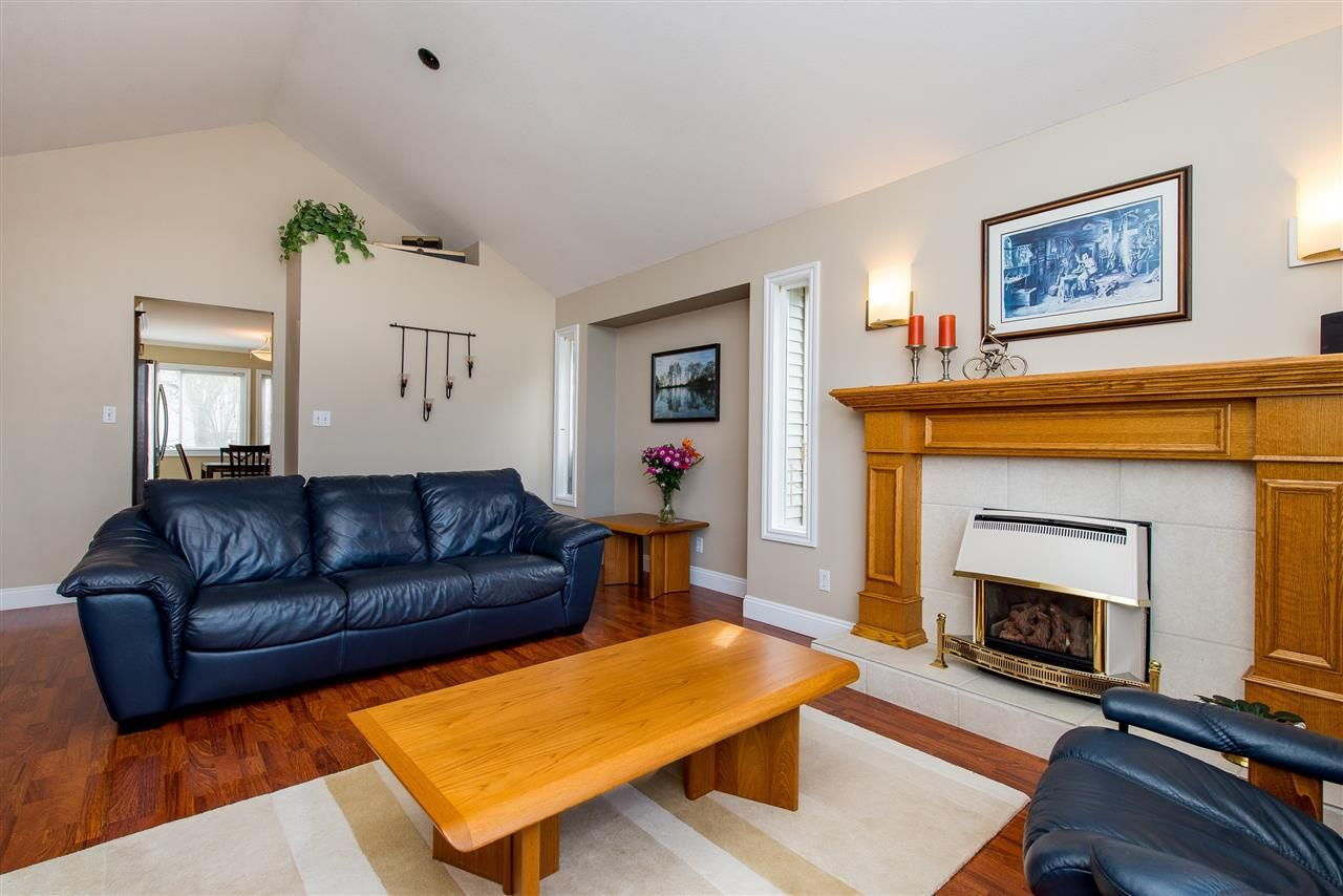 Photo 5: Photos: 5452 HIGHROAD Crescent in Sardis: Promontory House for sale : MLS®# R2351720