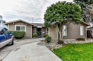 Photo 1: 5455 48A Avenue in Ladner: Hawthorne House for sale : MLS®# R2312020