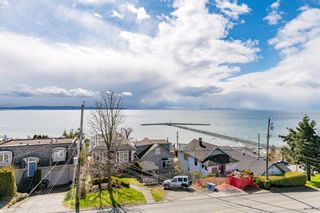 """Photo 30: 15141 COLUMBIA Avenue: White Rock House for sale in """"WHITE ROCK HILLSIDE"""" (South Surrey White Rock)  : MLS®# R2449105"""