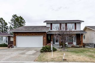 Photo 2: 10536 26 Avenue in Edmonton: Zone 16 House for sale : MLS®# E4241247