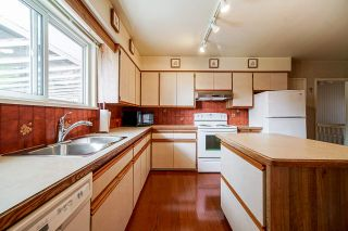"""Photo 10: 1283 PARKER Street: White Rock House for sale in """"EAST BEACH"""" (South Surrey White Rock)  : MLS®# R2562015"""