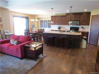 Photo 4: 54 settlers Trail in LORETTE: Dufresne / Landmark / Lorette / Ste. Genevieve Residential for sale (Winnipeg area)  : MLS®# 1413926