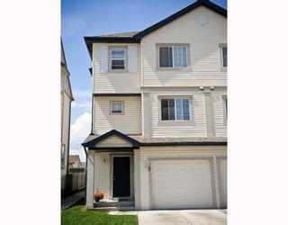 Photo 1: 25 COPPERFIELD Court SE in CALGARY: Copperfield Townhouse for sale (Calgary)  : MLS®# C3383561