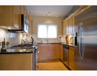 Photo 3: 1965 W 10TH Avenue in Vancouver: Kitsilano Townhouse for sale (Vancouver West)  : MLS®# V773523