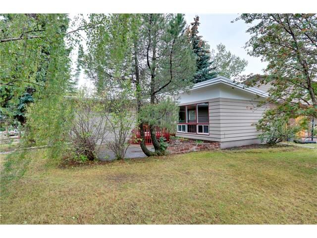 Main Photo: 68 GLENFIELD Road SW in Calgary: Glendle_Glendle Mdws House for sale : MLS®# C4024723