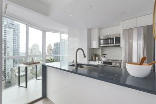 Photo 10: 1607 1188 HOWE STREET in Vancouver: Downtown VW Condo for sale (Vancouver West)  : MLS®# R2403400