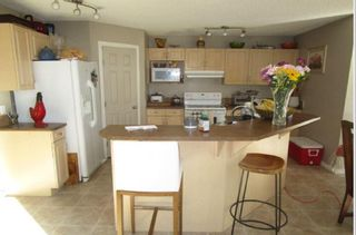 Photo 2: 1529 ROBERTSON Way in Edmonton: Zone 55 House for sale : MLS®# E4237618