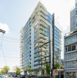 """Photo 2: 909 1783 MANITOBA Street in Vancouver: False Creek Condo for sale in """"RESIDENCES AT WEST"""" (Vancouver West)  : MLS®# R2625180"""