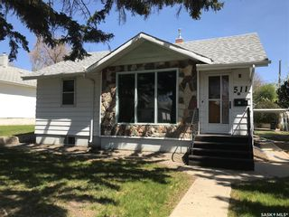 Photo 1: 511 4th Avenue Northwest in Swift Current: North West Residential for sale : MLS®# SK790044