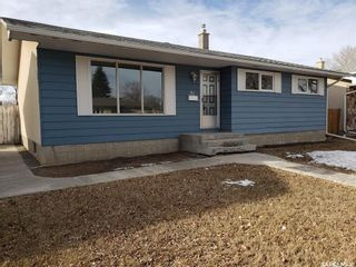 Photo 2: 51 Fuhrmann Crescent in Regina: Walsh Acres Residential for sale : MLS®# SK839437