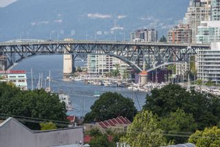 "Photo 29: 208 943 W 8TH Avenue in Vancouver: Fairview VW Condo for sale in ""Southport"" (Vancouver West)  : MLS®# R2487297"