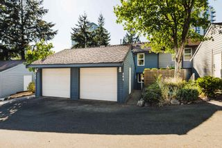 """Photo 1: 464 LEHMAN Place in Port Moody: North Shore Pt Moody Townhouse for sale in """"EAGLEPOINT"""" : MLS®# R2604397"""