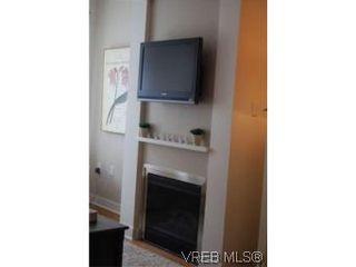Photo 3: 202 3614 richmond Rd in VICTORIA: SE Mt Tolmie Condo for sale (Saanich East)  : MLS®# 498925