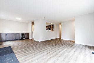 Photo 5: 2728 Cedarbrae Drive SW in Calgary: Cedarbrae Detached for sale : MLS®# A1041072