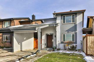 Photo 1: 2824 66 Street NE in Calgary: Pineridge Detached for sale : MLS®# C4274785