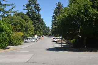 Photo 11: 2801 GORDON Avenue in Surrey: Crescent Bch Ocean Pk. House for sale (South Surrey White Rock)  : MLS®# R2603059
