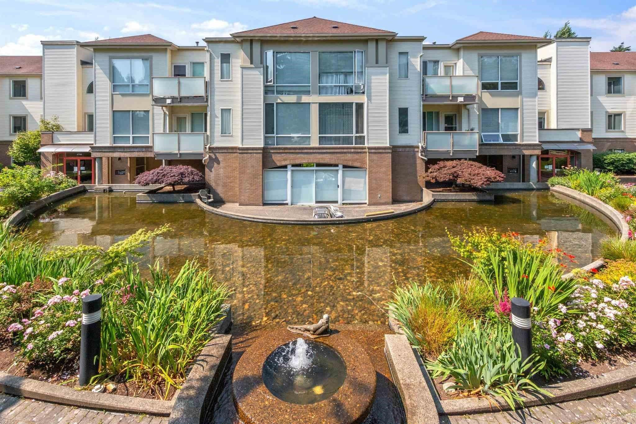 """Main Photo: 304 6742 STATION HILL Court in Burnaby: South Slope Condo for sale in """"WYNDHAM COURT"""" (Burnaby South)  : MLS®# R2621725"""