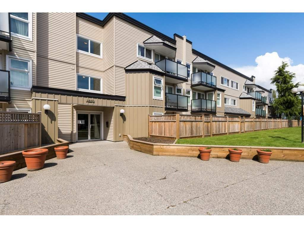 """Main Photo: 104 1850 E SOUTHMERE Crescent in Surrey: Sunnyside Park Surrey Condo for sale in """"Southmere Place"""" (South Surrey White Rock)  : MLS®# R2166232"""