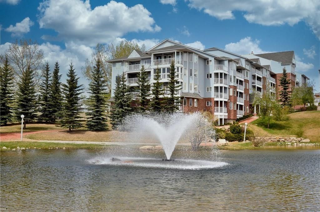 Photo 1: Photos: 3303 HAWKSBROW Point NW in Calgary: Hawkwood Apartment for sale : MLS®# C4305042