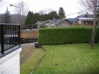 Photo 5: 4725 CAMBRIDGE Street in Burnaby: Capitol Hill BN House for sale (Burnaby North)  : MLS®# V864192