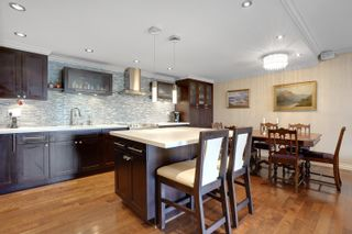 """Photo 18: 301 1470 PENNYFARTHING Drive in Vancouver: False Creek Condo for sale in """"Harbour Cove"""" (Vancouver West)  : MLS®# R2563951"""