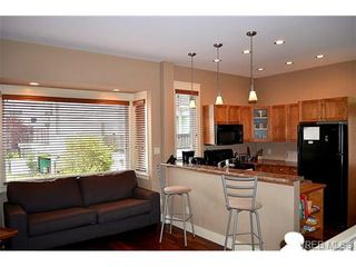 Photo 5: 2 436 Niagara St in VICTORIA: Vi James Bay Row/Townhouse for sale (Victoria)  : MLS®# 724550