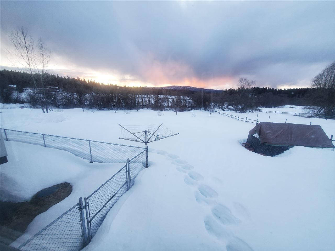 Photo 3: Photos: 2087 BLACKWATER Road: Bouchie Lake House for sale (Quesnel (Zone 28))  : MLS®# R2566551